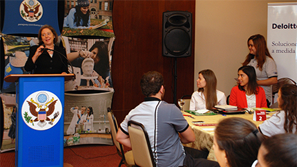 Paraguayan International Exchange Alumni give training sessions to young alumni to help build interview skills.