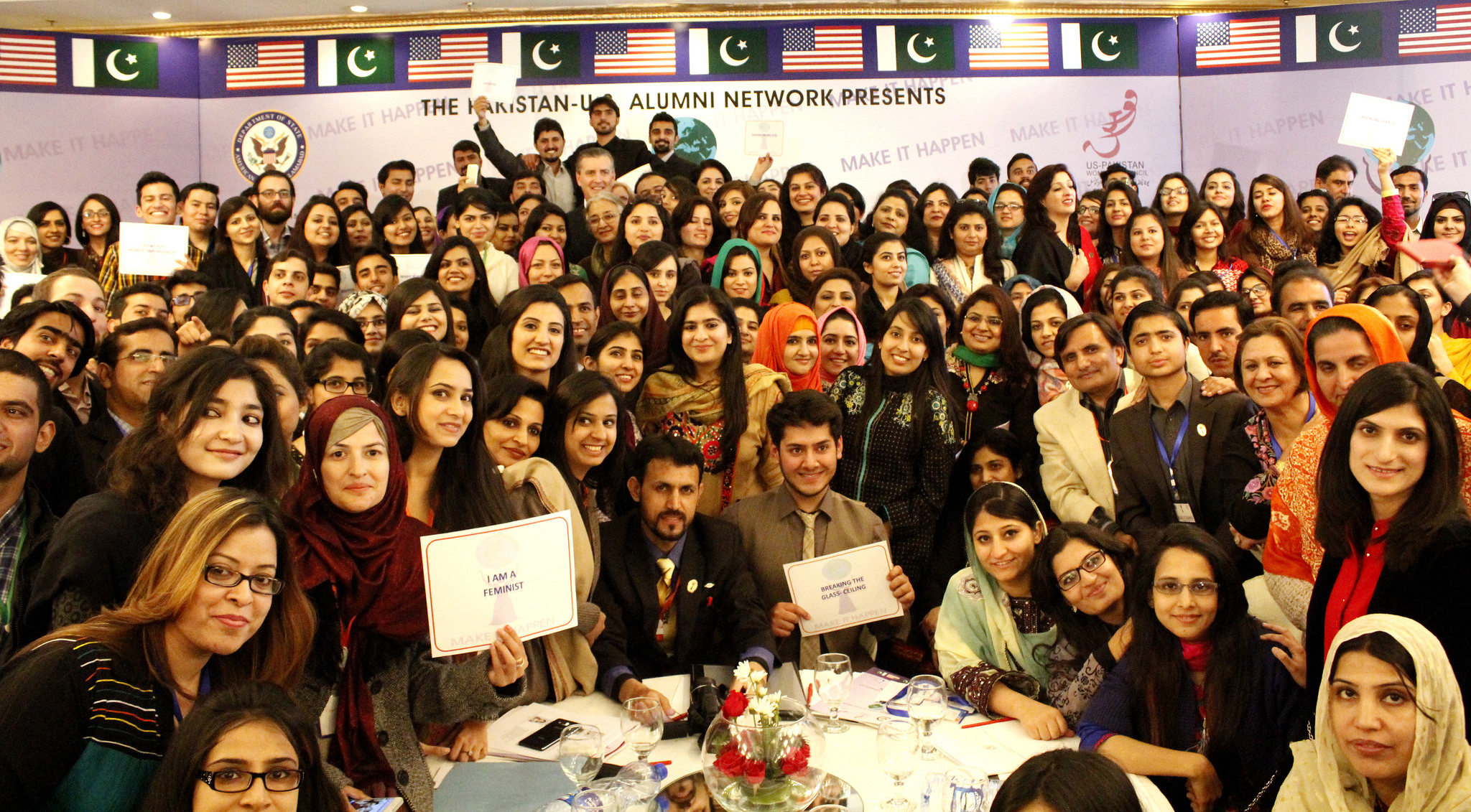 Ambassador Olson poses with hundreds of alumni at the opening ceremony of the 2015 International Women's Empowerment Conference in Islamabad, Pakistan.
