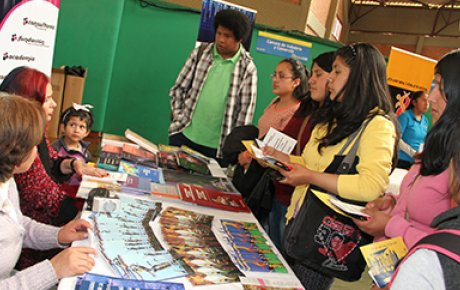 "Bolivian alumni mentor high school and university students at the first ever ""Inspiration Fair."""
